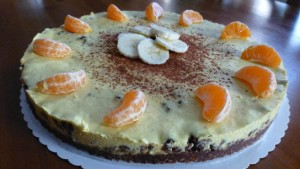 Fruchtiger veganer Orangen-Bananen-Kuchen (Rohkost)