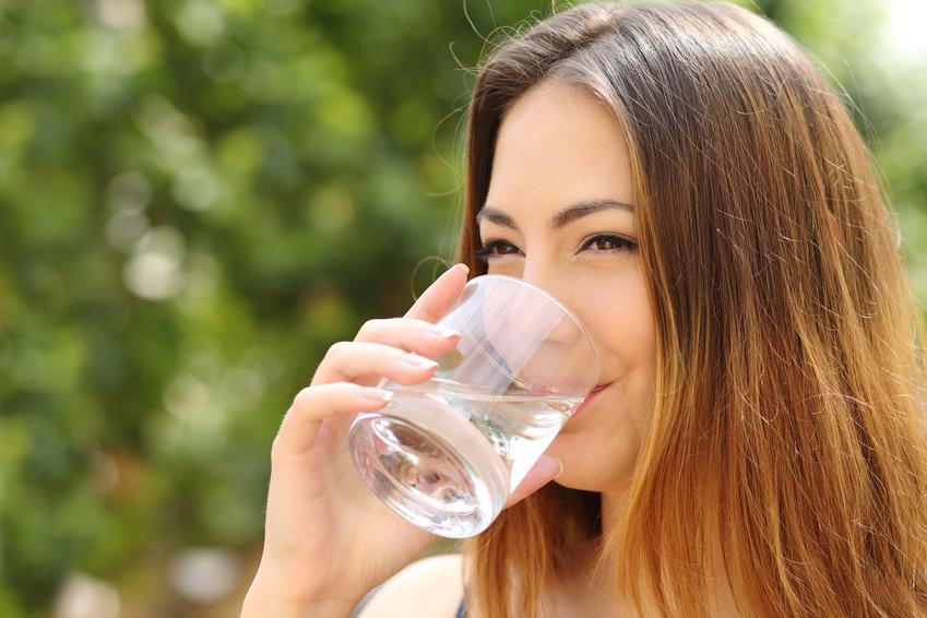 Rheumatische Arthritis: Mäßig trinken gegen Rheuma